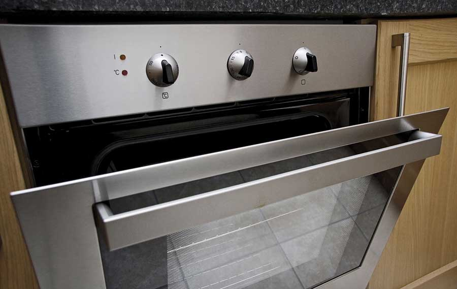 Siemens or Miele stainless steel Oven